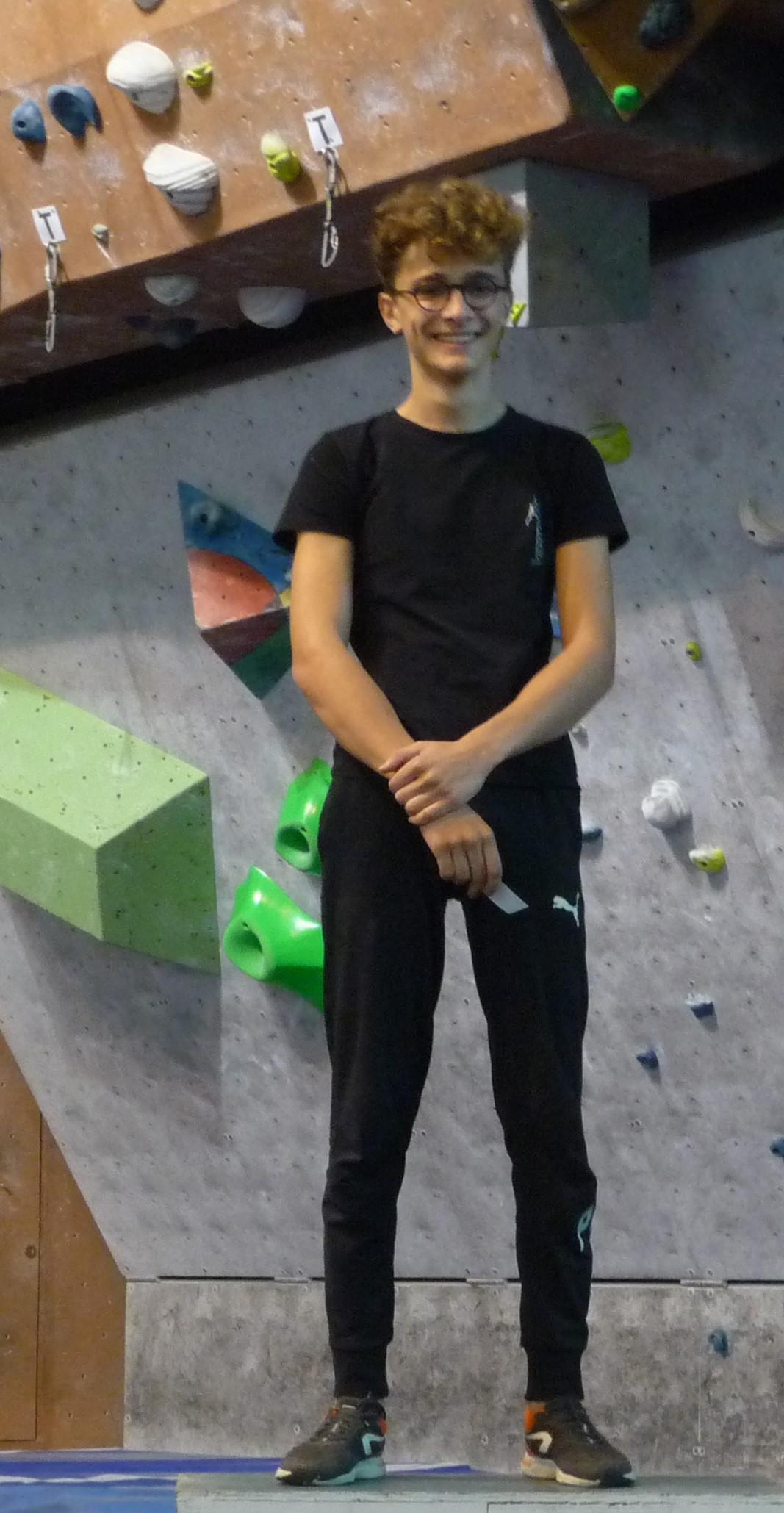 G-podium-juniorG