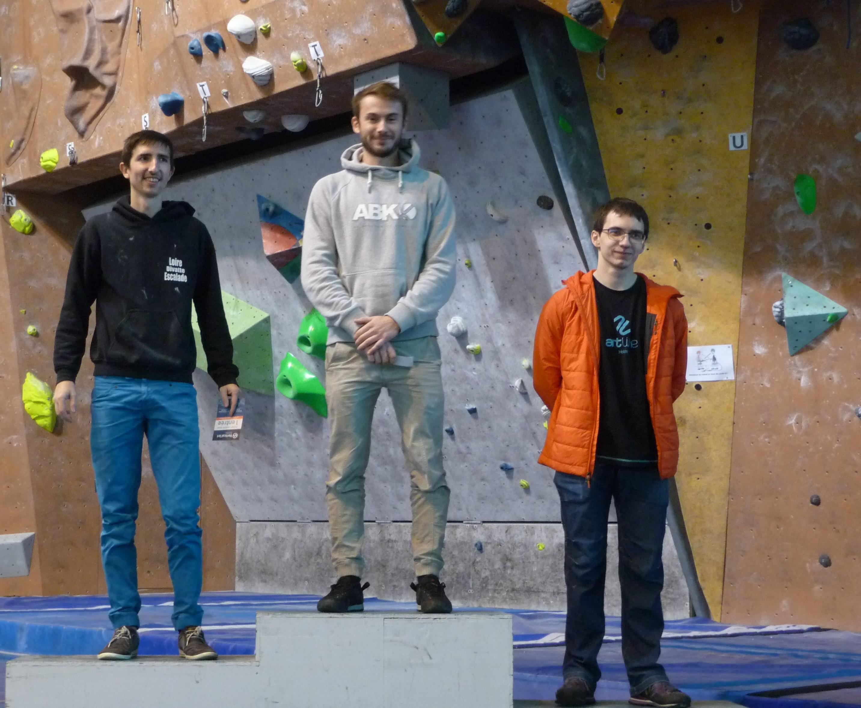 G-podium-seniorG